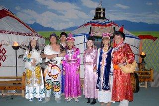 モンゴル衣装で大満足